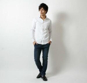 白シャツ メンズ
