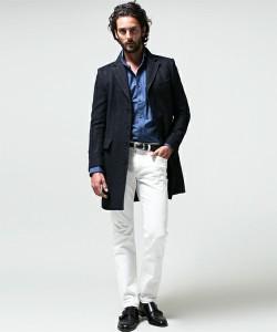 白パンツ×チェスターコート