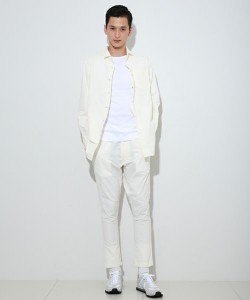 白,メンズファッション