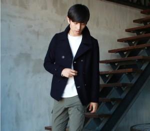 メルトンアウター×白のセーター