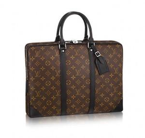 就活 ブランドのバッグ