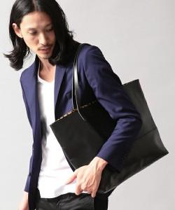 テーラードジャケット 合わせるバッグ