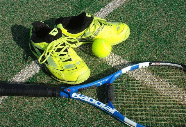 テニスサークル 大学生