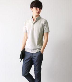 白のポロシャツ×黒のスラックス