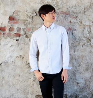 オックスフォード素材のボタンダウンシャツ