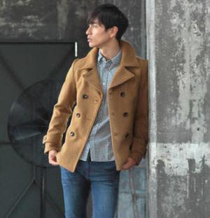 キャメルのPコート 冬のメンズファッション