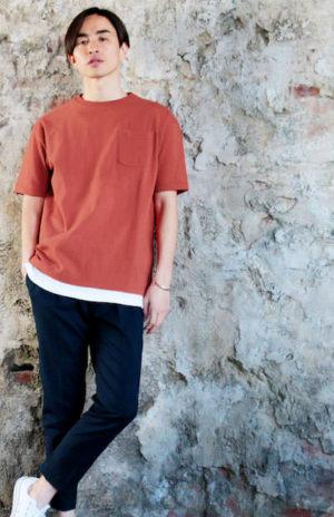 テラコッタのTシャツ 夏