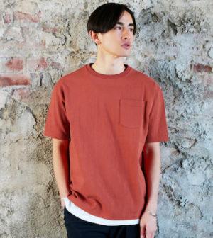 オレンジのルーズTシャツ メンズファッション