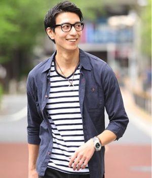 ネイビーのリネンシャツ ×ボーターTシャツ