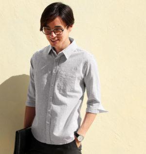 グレーのリネンシャツ メンズファッション