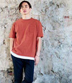 オレンジのビッグシルエットTシャツ×サマースラックス