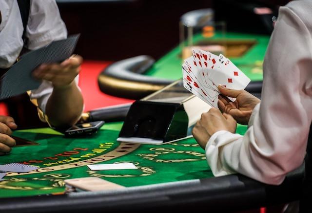カジノ ギャンブル 大学生