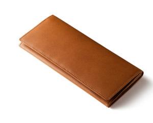 キャメル色の長財布