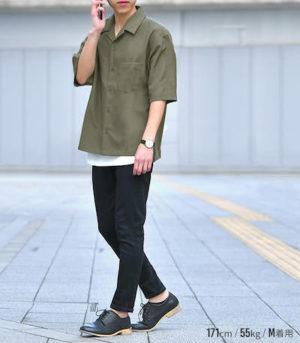 夏の開襟シャツ