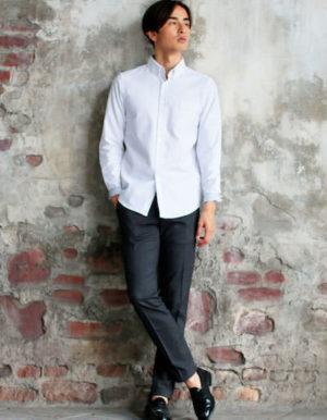 白のシャツコーデ